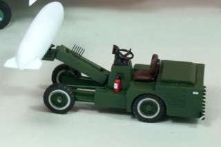 72 0105 PLA Air Force Bomb Missile Lift Truck Loader Resin