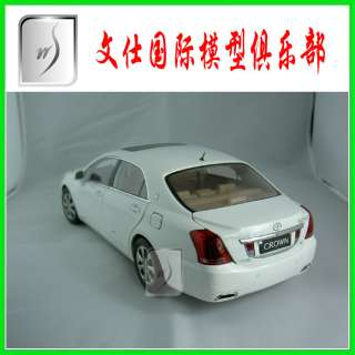 18 China New Toyota CROWN 2010 (White) Mint in box