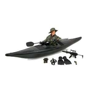 World Peacekeepers Military Kayak 12 Figure Playset Toys
