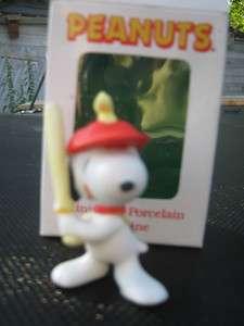 NIB Vintage Willitts Peanuts Snoopy Baseball Player Figurine