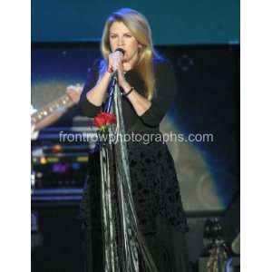 Fleetwood Macs Stevie Nicks 8x10 Concert Photograph