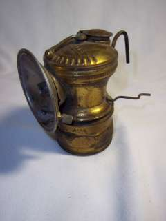 CARBIDE MINERS CAP LAMP UNIVERSAL LAMP CO CHICAGO ILLINOIS BRASS LIGHT