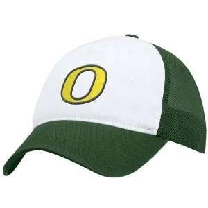 Nike Oregon Ducks Green Meshy Swoosh Flex Fit Hat: Sports