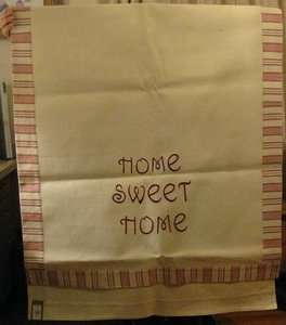 YANKEE CANDLE HOME SWEET HOME TABLE RUNNER