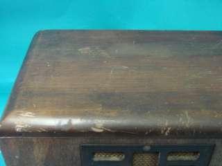 Tombstone 1935 Table Top Tube Radio Model 4T26 Rare Antique