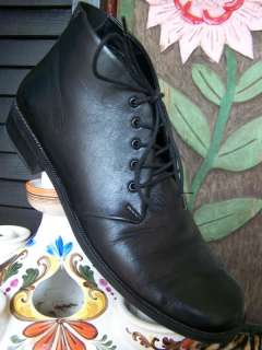 VTG 90s Black Leather Ankle Lace Up Granny Boots 8 AA N