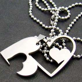 B2320 Fashion Jewelry Heart 316L Stainless Steel Chain Pendant