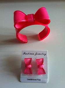 Parure Bracelet noeud papillon et boucle doreille rose top tendance