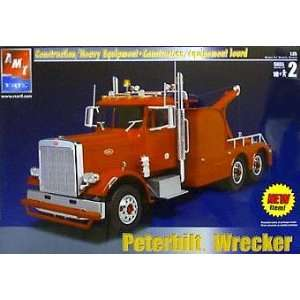 AMT ERTL Peterbilt Wrecker Model Kit #31750 (125 scale) Toys & Games