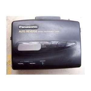 Cassette Player Walkman Style RQ V185 Digital Tuner Auto Reverse